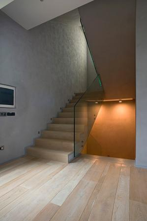 wood and glass staircase vassalletti creation rome zoom